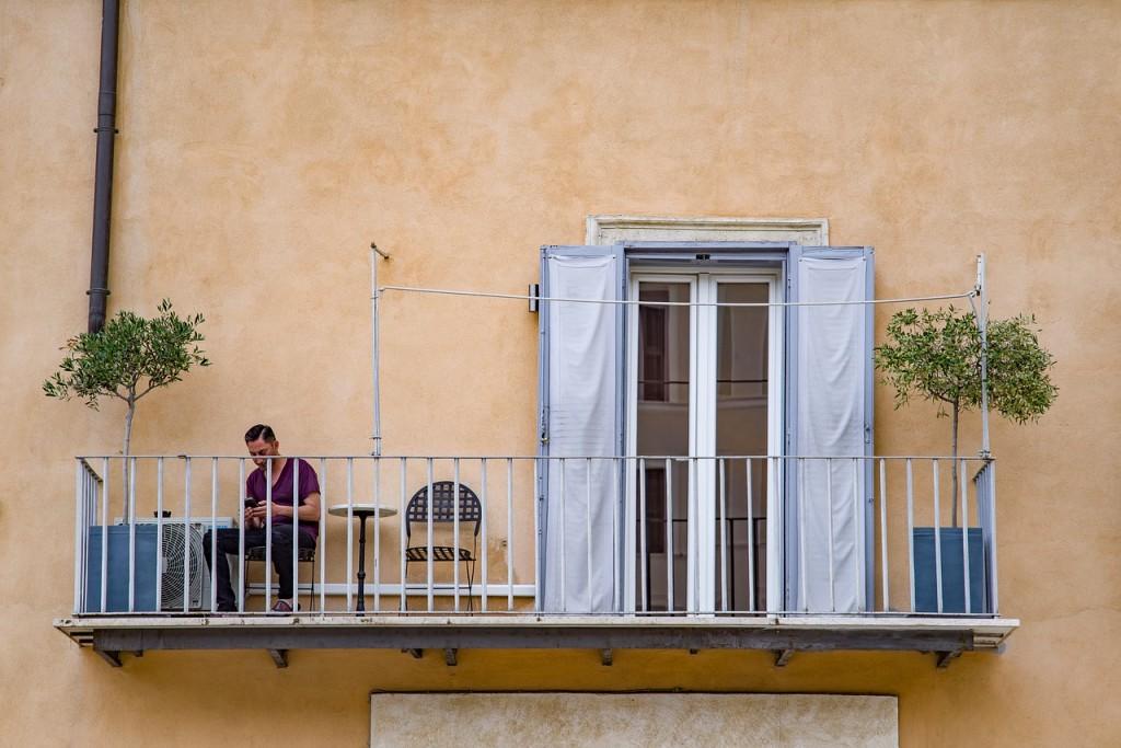 Żywica poliuretanowa – dobry wybór na balkon